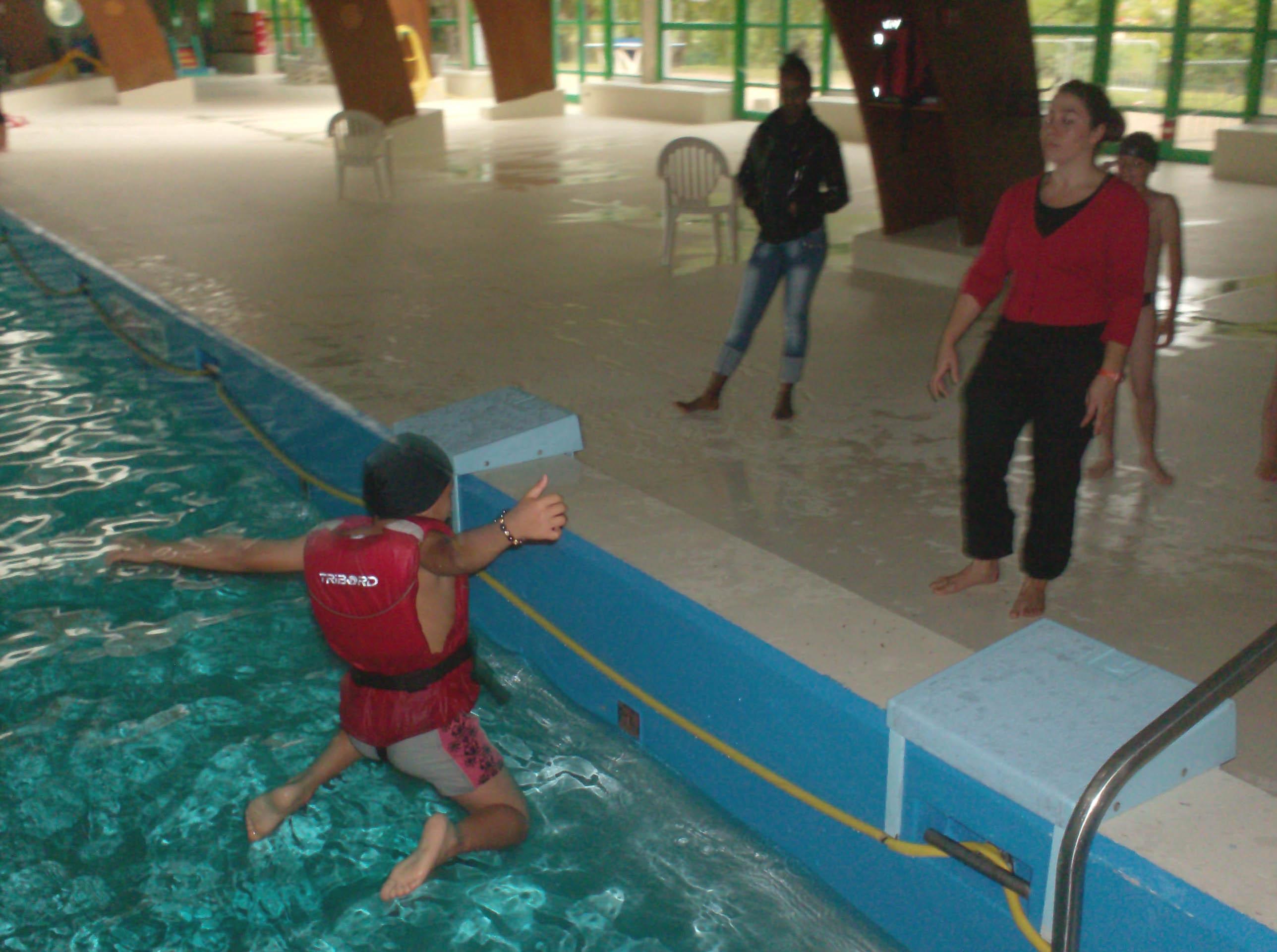Test de natation pour les cm1 cm2 ecole primaire d for Test de piscine