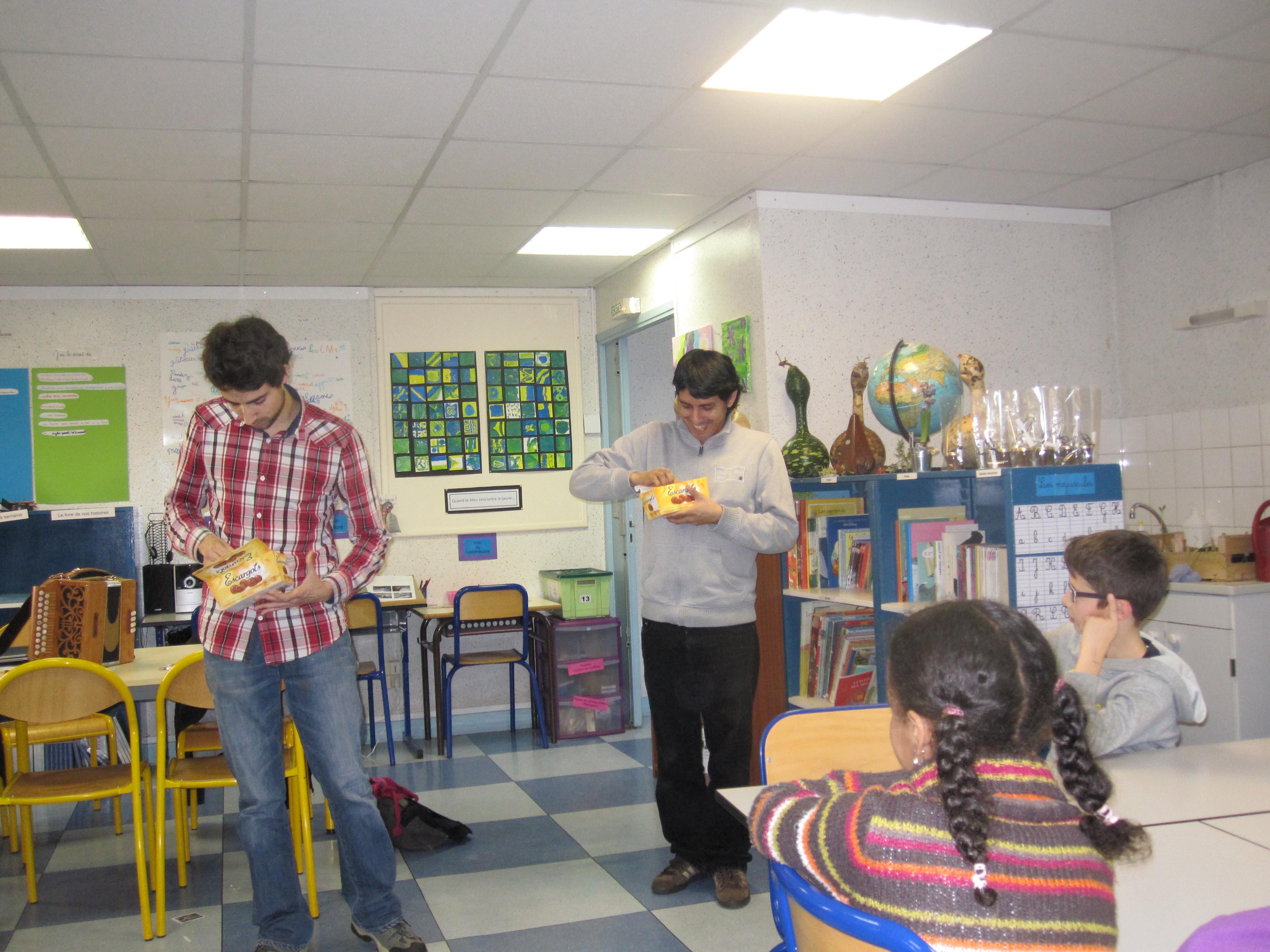 Img janv 2013 - Fabrication de boule de noel en papier ...